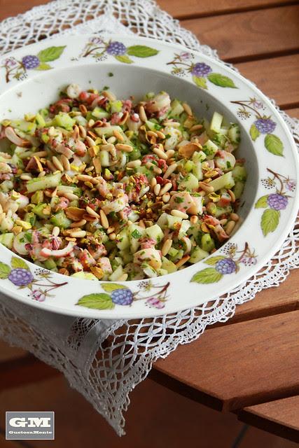 Polpo con mela verde, sedano, pinoli e pistacchi