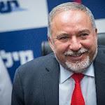 סקר: ישראל ביתנו בחוץ - גוש הימין עם 59 מנדטים - כיפה