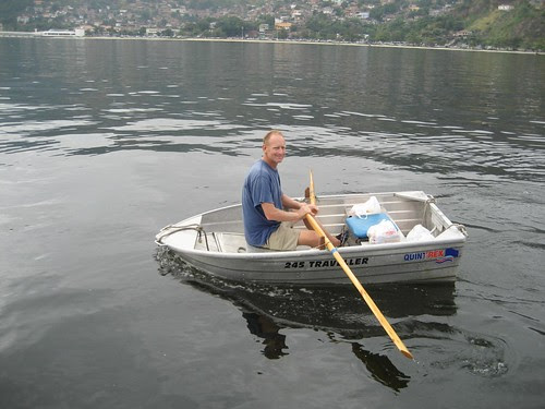rowing Hootie Charitas