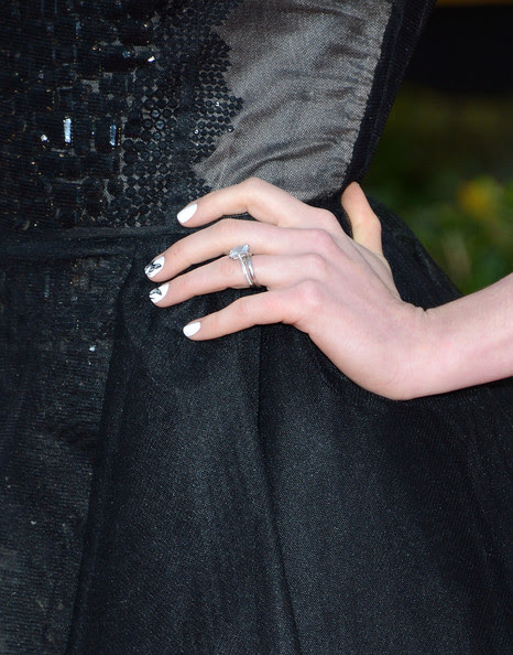 Actress Anne Hathaway attends the 19th Annual Screen Actors Guild Awards at The Shrine Auditorium on January 27, 2013 in Los Angeles, California.