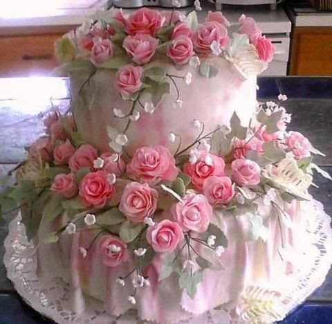 Shabby Chic cake with Pink Roses