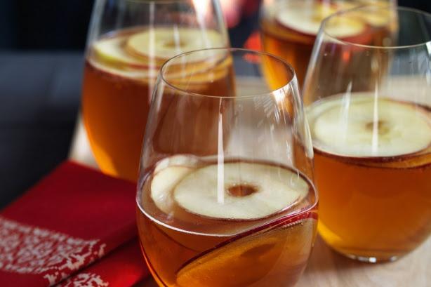 Wassail (Spiced cider)