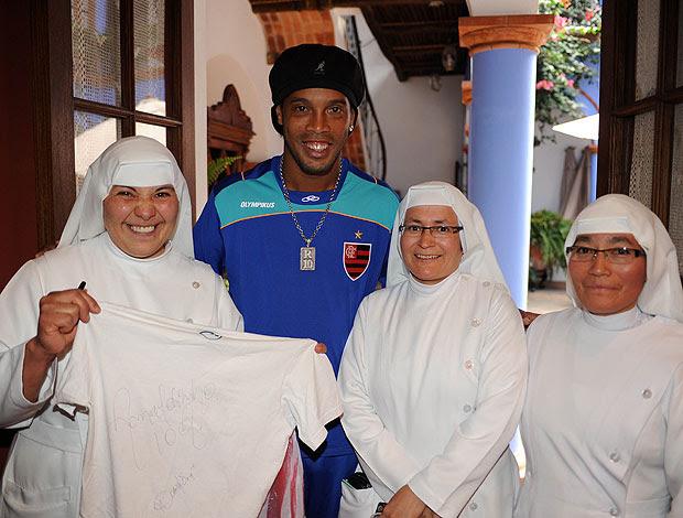 Ronaldinho Freiras Sucre Flamengo (Foto: Alexandre Vidal / Fla imagem)