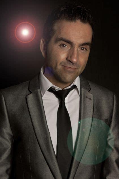 Paulo   Male singer from Swing to Modern