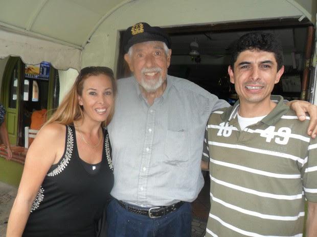 Rubén Aguirre com os filhos Arturo e Veronica (Foto: Reprodução/Facebook)