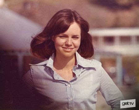 The Girl with Something Extra - Sally Field
