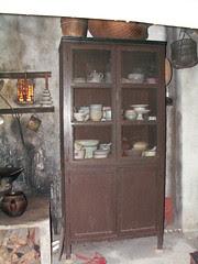 kitchen04b_cabinet