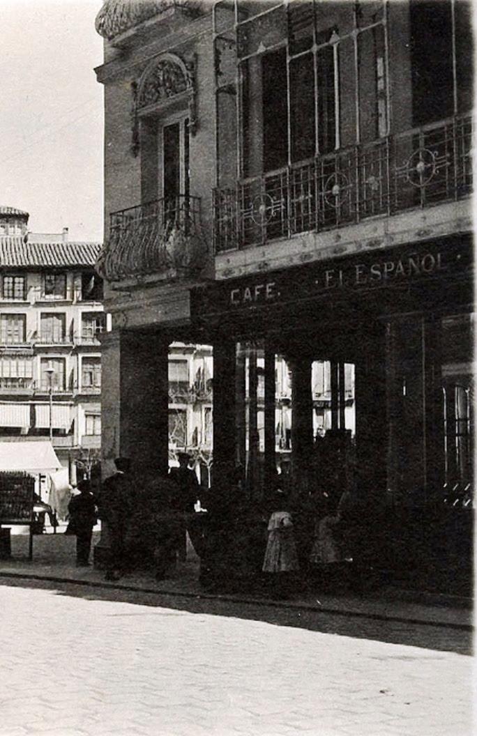 Café Español al poco de ser inaugurado