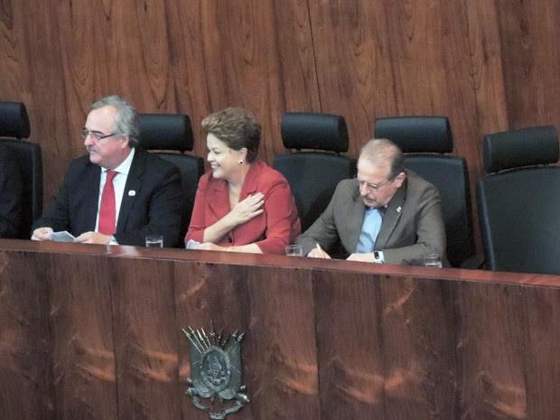 Presidente Dilma está em Porto Alegre para anunciar liberação de recursos para o metrô  (Foto: Felipe Truda/G1)