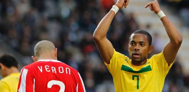 Robinho voltou a jogar bem pelo Milan e recebeu chamado de Felipão