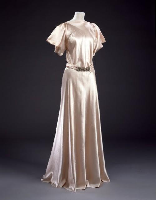 Evening Dress Madeleine Vionnet, 1932-1934 The Victoria & Albert Museum