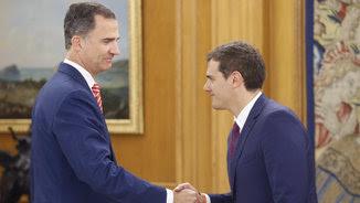 El rei i Rivera se saluden (EFE)