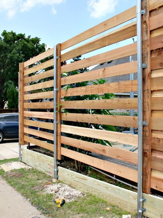{The Backyard} A New Horizontal Fence | Hi Sugarplum!