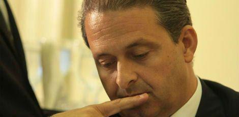 Avião que transportava o ex-governador Eduardo Campos caiu na cidade de Santos; não houve sobreviventes / Foto: Acervo JC Imagem