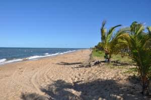 Resultado de imagem para praia de nova cabralia