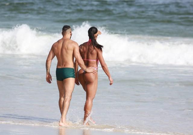Gracyanne Barbosa e Belo (Foto: AgNews)