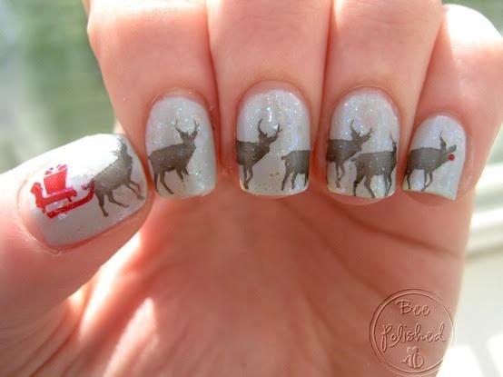 Funny Santa & sleigh nails!
