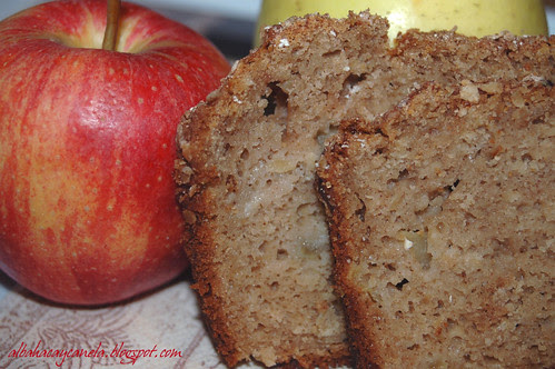 Apple oat sweet bread