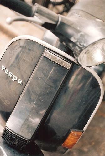 Dusty vespa by Vespamore !