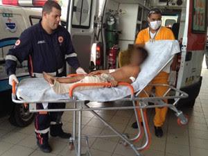Menino foi atacado por cães após pular muro de granja, em João Pessoa (Foto: Walter Paparazzo/G1)