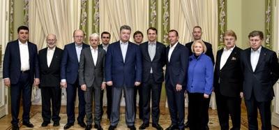 Polacy doradzają prezydentowi Ukrainy. Wśród nich Sikorski i Balcerowicz