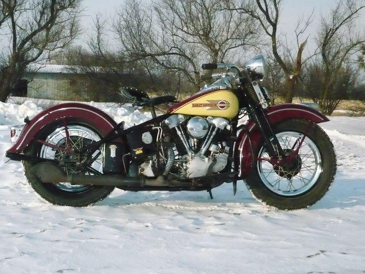 Old Motorcycles In Daytona Machines Motorcycle Old Motorcycles Knucklehead Motorcycle