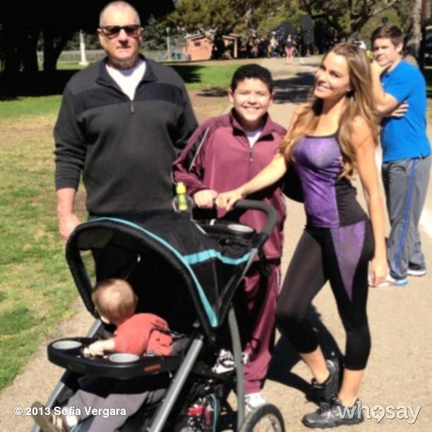 Sofia Vergara publicou foto do set de 'Modern Family' (Foto: Instagram/ Reprodução)