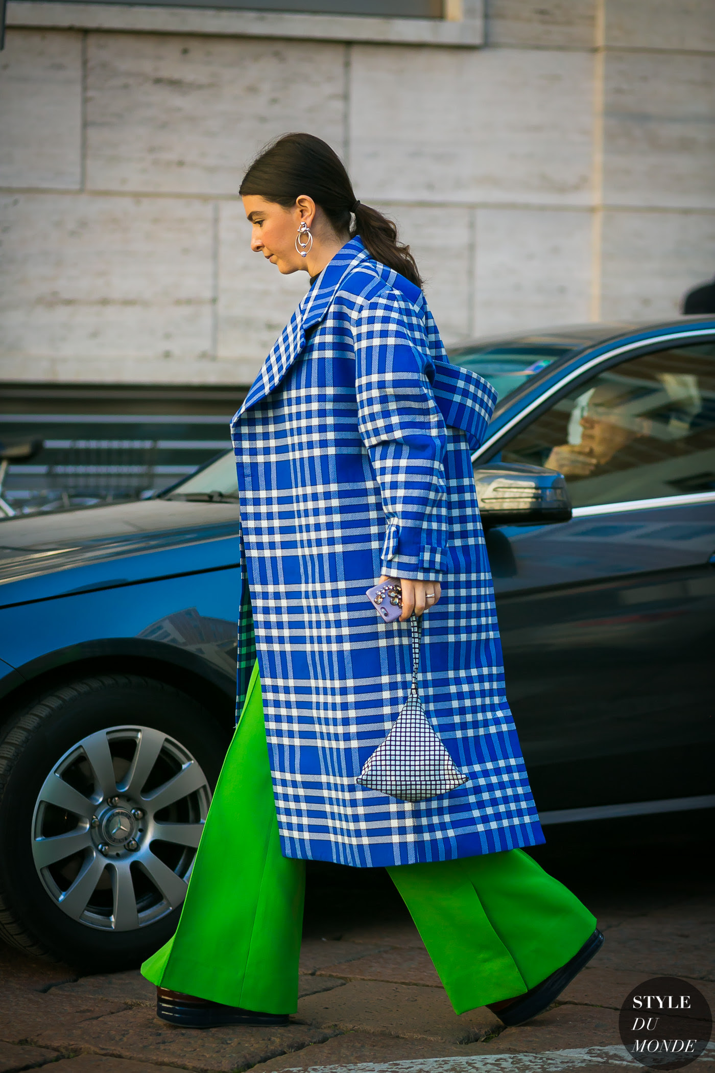 http://www.styledumonde.com/wp-content/uploads/2017/01/Jacquemus-Plaid-Coat-by-STYLEDUMONDE-Street-Style-Fashion-Photography0E2A3510-700x1050@2x.jpg