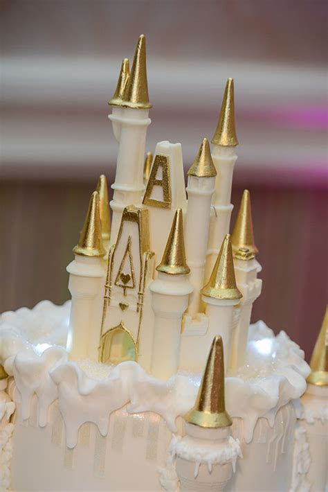 Wedding Cake Wednesday: Wintertime at Cinderella Castle