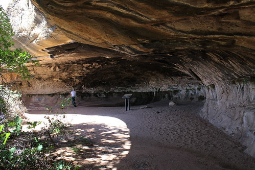 IMG_2672_Cave_Where_Spring_Is_on_Cave_Spring_Trail