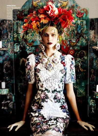 vogue: newFrida Kahlo
