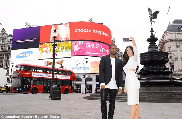 Another attraction was Piccadilly Circus, where the figures were positioned - all to the astonishment of tourists