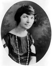 http://upload.wikimedia.org/wikipedia/commons/thumb/2/2f/MargaretSanger-Underwood.LOC.jpg/220px-MargaretSanger-Underwood.LOC.jpg
