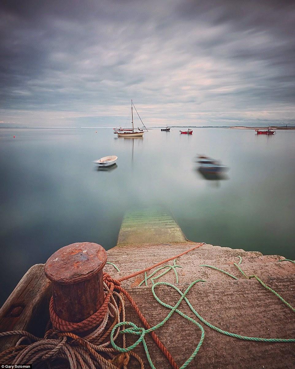 Como o próprio nome sugere que há, de fato, parece ser algo etéreo sobre esta imagem de Santo Island em Northumberland por Gary Soloman
