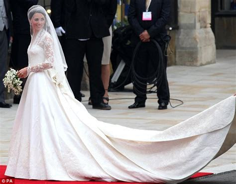 Kate Middleton and Isabella Orsini wedding dresses