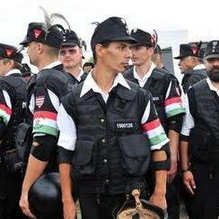 Violenţe în stradă la Târgu Mureş. Extremişti maghiari cu feţele acoperite de cagule au provocat scandal la un miting neautorizat  unde a fost prezent şi liderul Jobbik