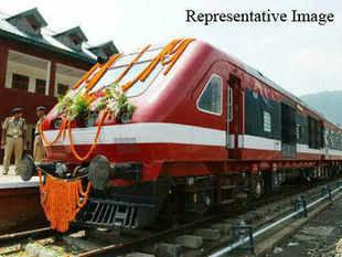 Mallikarjun Kharge reviews performance of railway PSUs