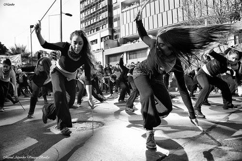 Baile urbano, Santiago de Chile by Alejandro Bonilla
