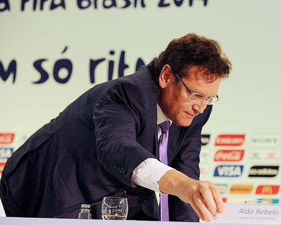 O secretário-geral da Fifa, Jérôme Valcke, participa de entrevista coletiva