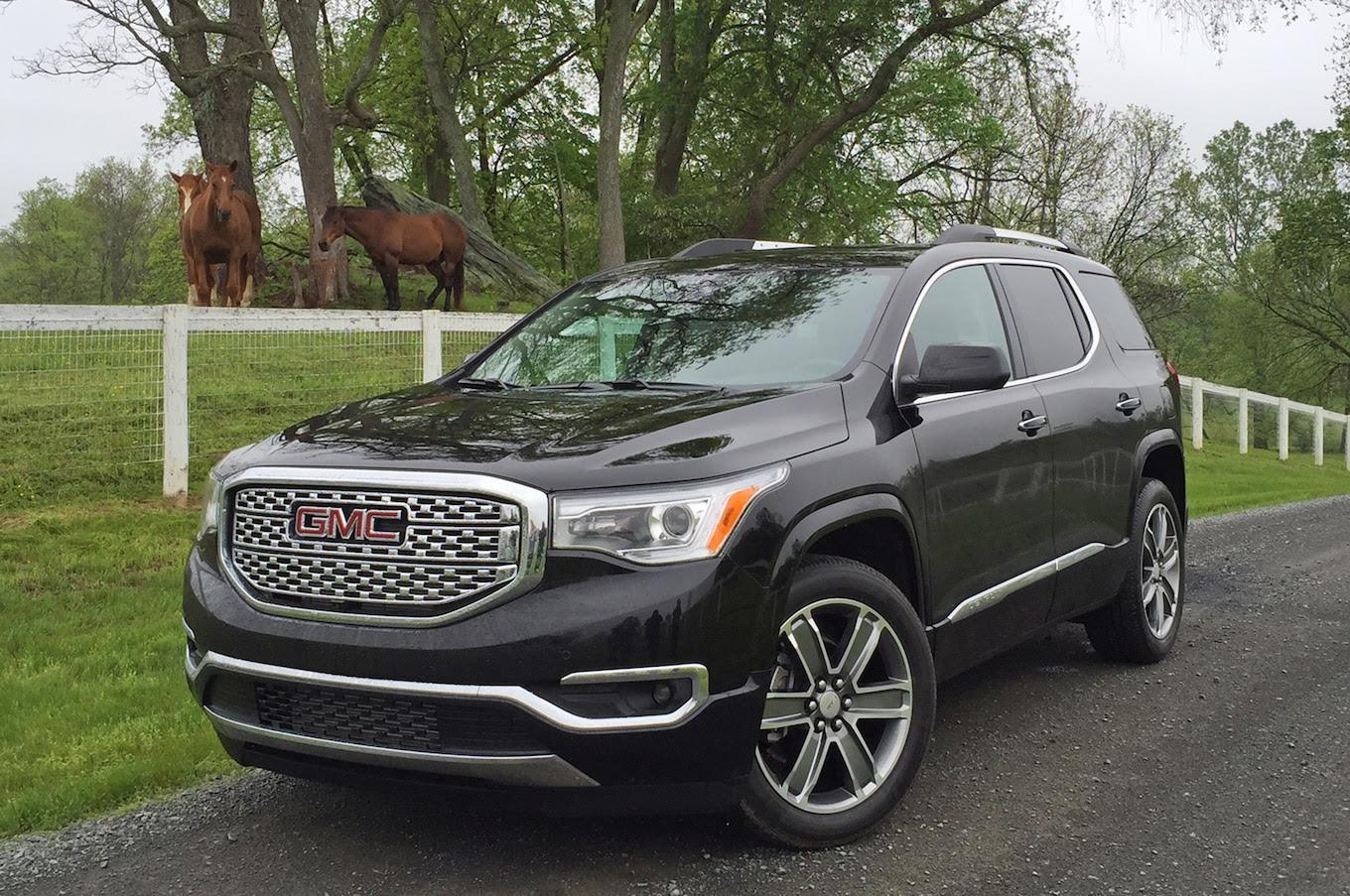 2017 GMC Acadia First Drive Review: Smaller on Purpose ...