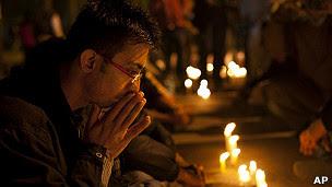 vigilia en Nueva Delhi, India por muerte de la joven violada