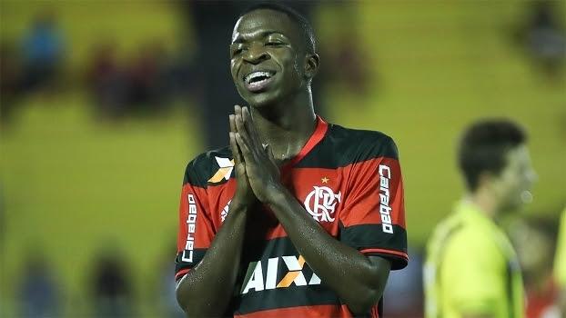 Vinícius Júnior, em ação com o time sub-20 do Flamengo
