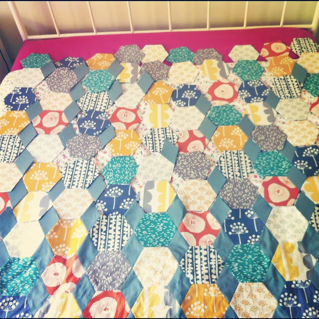 Planning the last bits of the Lotta Hexies quilt