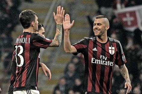 Milan goleia e vai a final da Coppa Itália após 13 anos