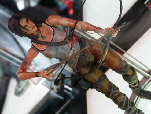 Square Enix Play Arts Kai Lara Croft Statue