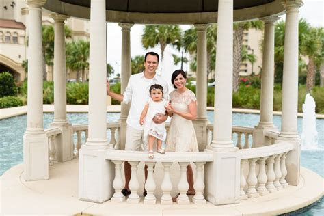 Family portraits at North Beach Plantation with a previous
