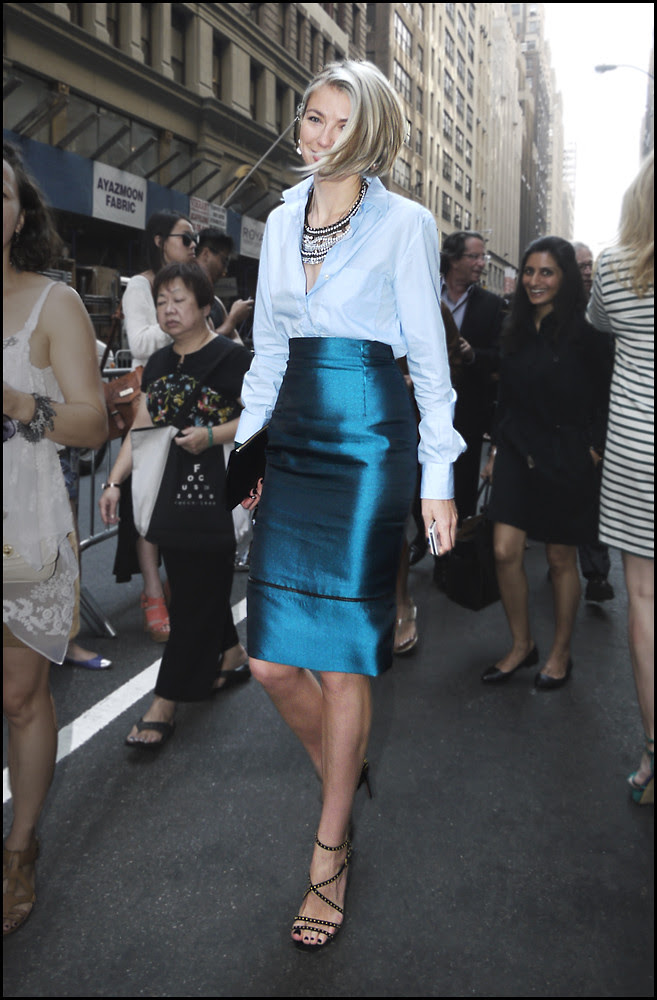 9 w blue pencil skirt pale blue shirt platinum do black heeled sandals statment necklace ol
