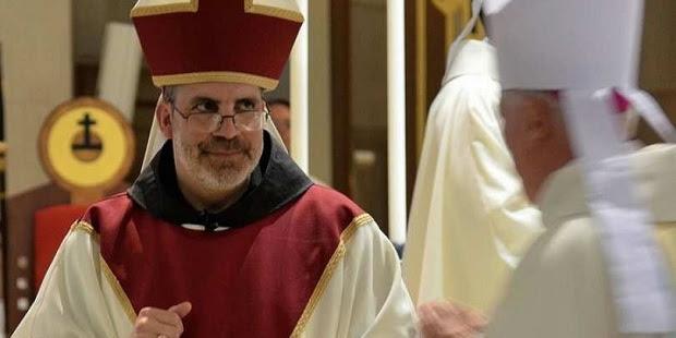 Un Obispo estadounidense cuestiona la enseñanza de la Iglesia sobre la homosexualidad