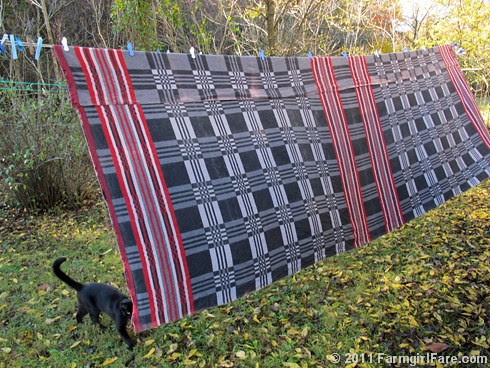 Vintage double blanket - FarmgirlFare.com