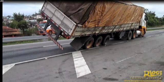 quebrada de asa Volvo FH